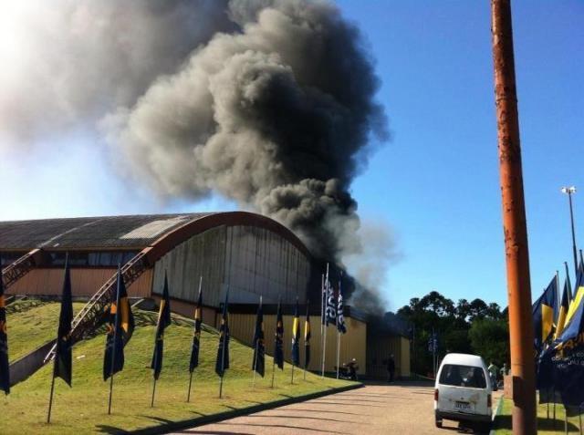 Mundial B: Incêndio no primeiro dia de prova causa danos